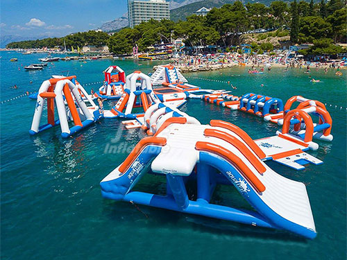 Inflatable Floating Water Games Park Equipment